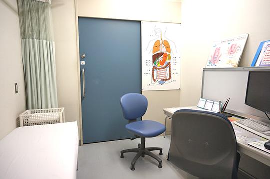診察室(1F)